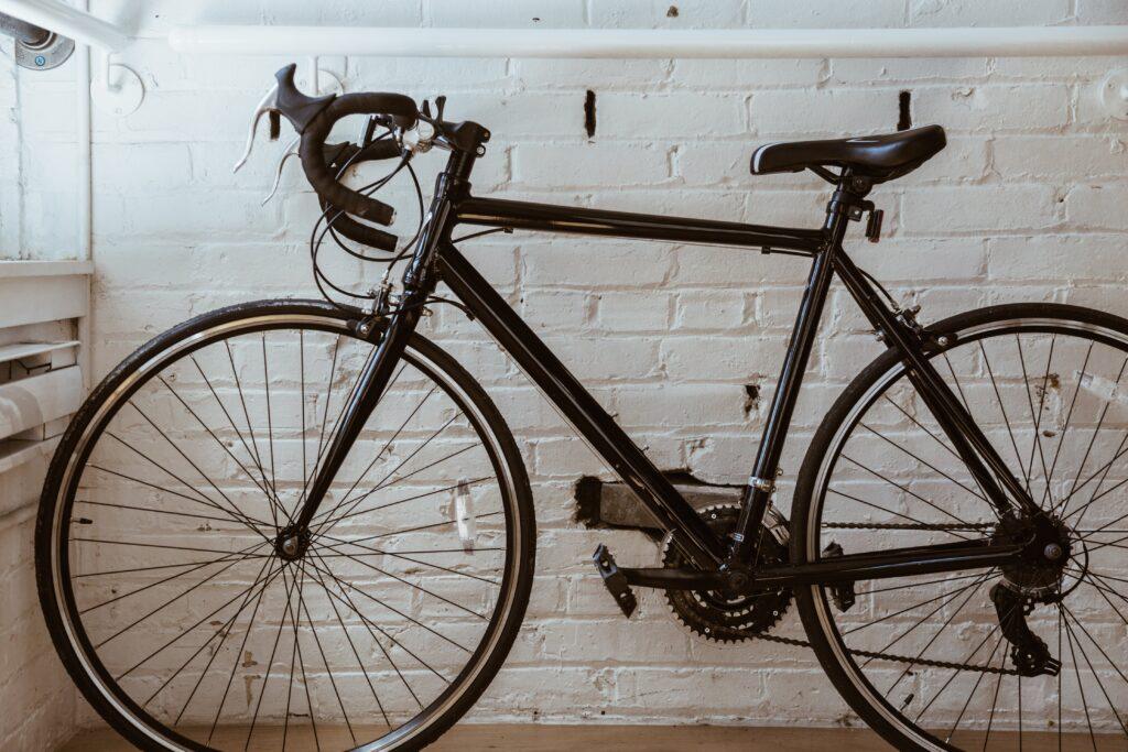 bike-in-apartment